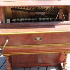 Instrumentos Musicais: ANTIGUA PIANOLA. ORGANILLO. VICENTE LLINARES. FAVENTIA. FALTO DE LA TAPA FRONTAL. FUNCIONA.. Lote 176167483
