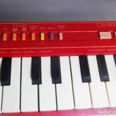 Instrumentos musicales: ORGANO MUSICAL CASIO PT-1 FUNCIONA PERFECTAMENTE TESTADO COLOR ROJO LOTE WATCHE. Lote 176250982