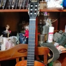 Instrumentos musicales: GUITARRA CLIFTON CON FUNDA AFINADOR CD ETC. Lote 176251472