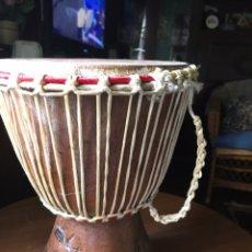 Instrumentos musicales: DJEMBE DE MADERA AFRICANO , ARTESANAL. Lote 176646513