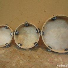 Instrumentos musicales: JUEGO DE TRES PANDERETAS. MADERA Y PIEL. DISTINTAS. ARTESANAS . ANTIGUAS. Lote 178170616