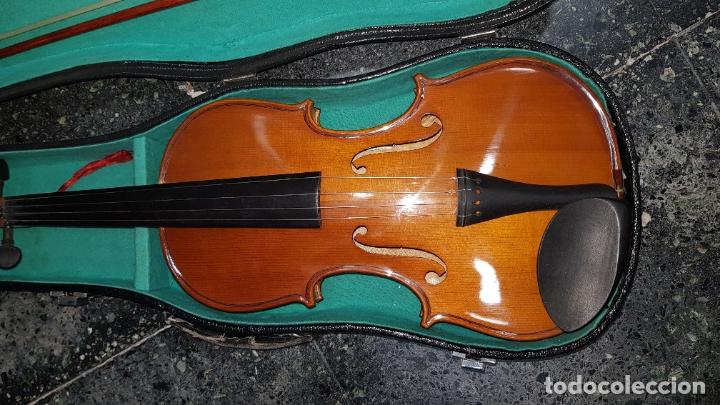 Instrumentos musicales: violin en caja - Foto 2 - 178604700