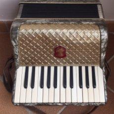 Instrumentos musicales: ESPECTACULAR ACORDEÓN ALEMÁN WELTMEISTER. Lote 178676558