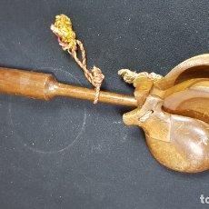 Instrumentos musicales: ANTIGUAS CASTAÑUELAS CON MANGO, FUNCIONAN MUY BIEN SONIDO FUERTE. Lote 178690165