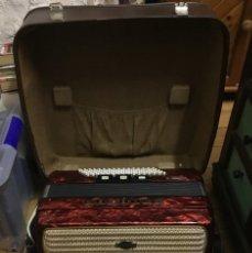 Instrumentos musicales: ACORDEÓN DELICIA CARMEN II DE 80 BAJOS + 10 REGISTROS + MALETA. Lote 179006770