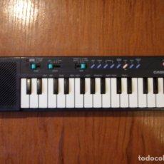 Instrumentos musicales: TECLADO VINTAGE CASIO NEGRO PT-10 PT10 FUNCIONANDO. Lote 181593415