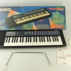 Instrumentos musicales: ANTIGUO TECLADO PIANO DE NIÑO JUGUETE CASIO SA-2 ELECTRONIC KEYBOARD - EN CAJA ORIGINAL. Lote 182434627