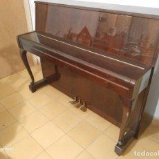 Instrumentos musicales: PIANO YAMAHA DE 1960/70 COMO NUEVO. Lote 182469982