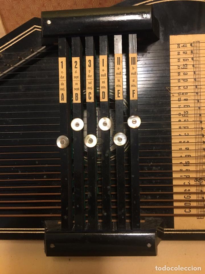 Instrumentos musicales: AUTOHARPA AUTOHARP ARPA. AÑO 1918 GERMANY. EXCELENTE ESTADO, COMPLETA - Foto 4 - 182584243