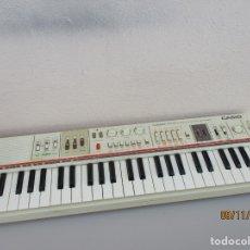 Instrumentos musicales: CASIO MT 65 NO FUNCIONA PARA PIEZAS . Lote 182722636
