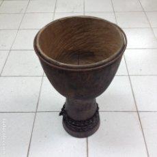 Instrumentos musicales: GRAN DJEMBE AFRICANO DE MADERA PARA TERMINAR, FALTA LA PIEL. Lote 182854650
