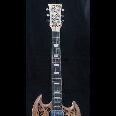 Instrumentos musicales: GUITARRA PERSONALIZADA MANOLO GARCIA, HARD ROCK CAFE. Lote 180918208
