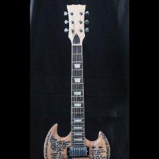 Instrumentos musicales: GUITARRA PERSONALIZADA RAYDEN, HARD ROCK CAFE. Lote 180916661