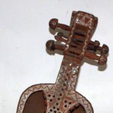 Instrumentos musicales: LAÚD DE AFGANISTAN - INCRUSTACIONES - MADERA - PERGAMINO - ARTESANO.. Lote 183042073