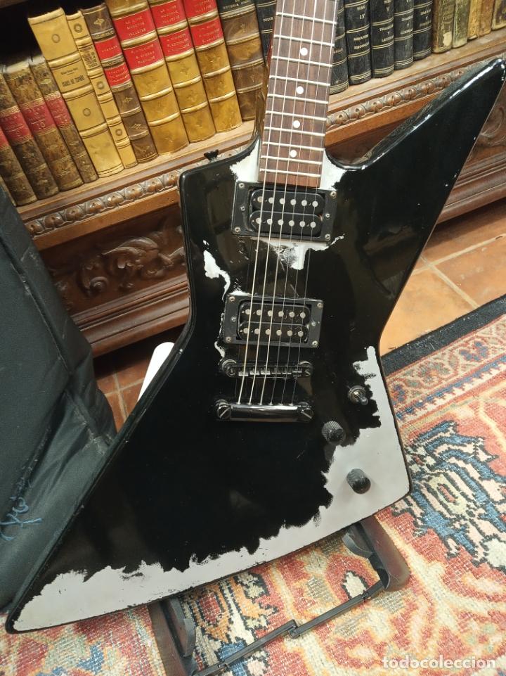 Instrumentos musicales: Impresionante guitarra eléctrica, réplica de James Hetfield Metallica. Grass Roots. Relicado. Funda. - Foto 2 - 183296600