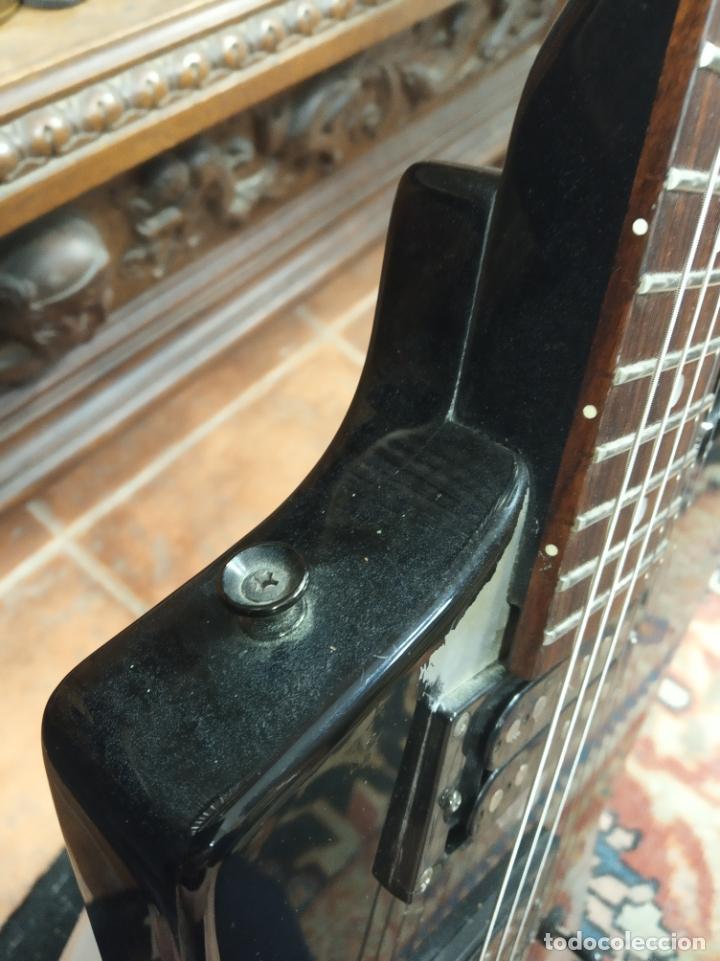 Instrumentos musicales: Impresionante guitarra eléctrica, réplica de James Hetfield Metallica. Grass Roots. Relicado. Funda. - Foto 7 - 183296600