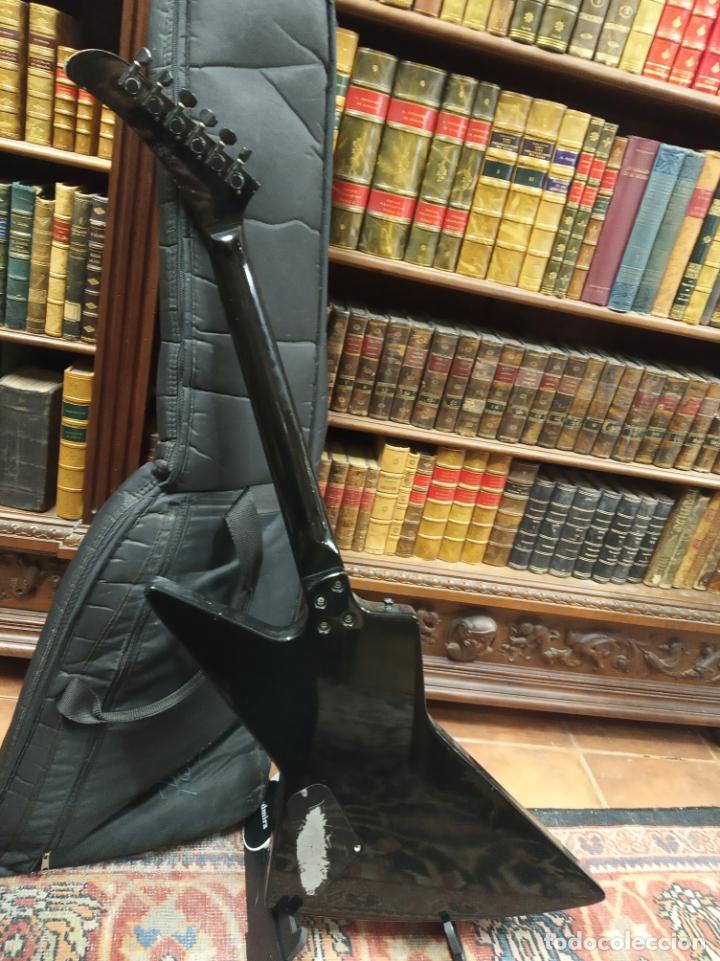 Instrumentos musicales: Impresionante guitarra eléctrica, réplica de James Hetfield Metallica. Grass Roots. Relicado. Funda. - Foto 9 - 183296600