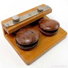 Instrumentos musicales: CLEYTON PERCUSIÓN CASTAÑUELAS DE MADERA PARA PERCUSIONISTAS. Lote 183676920