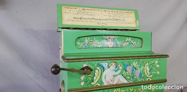 Instrumentos musicales: ORGANILLO DE MANIVELA VERDE MARCA FAVENTIA DE VICENTE LINARES - Foto 3 - 183801320