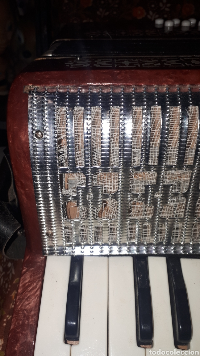 Instrumentos musicales: ANTIGUO ACORDEON RAZNO DE RUMANIA MADE IN URSS CON CAJA ANTIQUE ACCORDION BOX ROMANIAN RAZNO - Foto 5 - 183900212