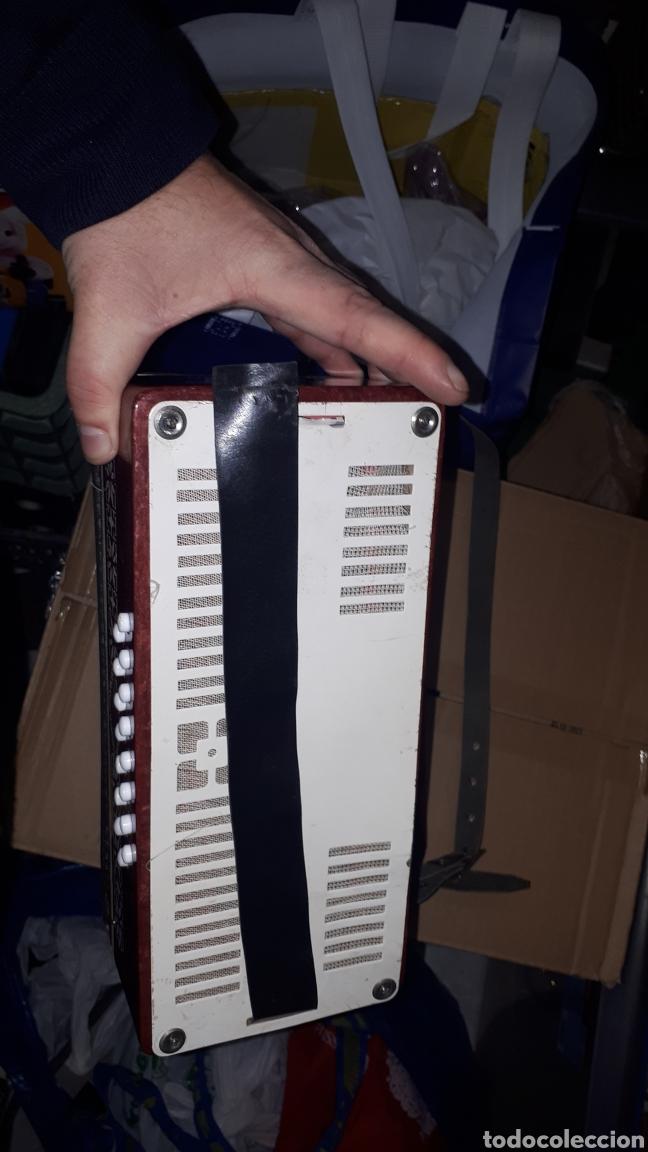 Instrumentos musicales: ANTIGUO ACORDEON RAZNO DE RUMANIA MADE IN URSS CON CAJA ANTIQUE ACCORDION BOX ROMANIAN RAZNO - Foto 7 - 183900212