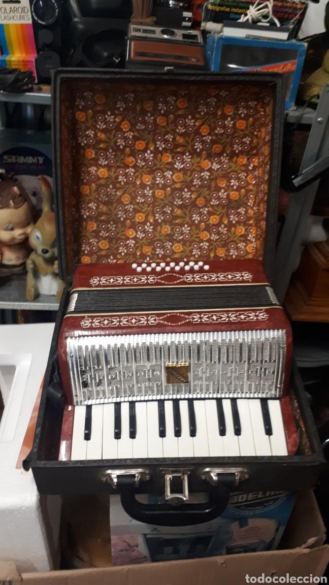 Instrumentos musicales: ANTIGUO ACORDEON RAZNO DE RUMANIA MADE IN URSS CON CAJA ANTIQUE ACCORDION BOX ROMANIAN RAZNO - Foto 10 - 183900212