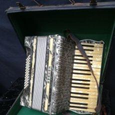 Instrumentos musicales: ACORDEÓN ANTIGUO FINALES DE LOS 40 HOHNER TANGO 1. Lote 185747076