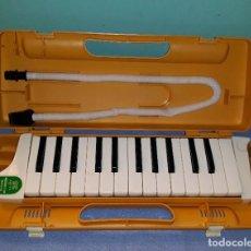 Instrumentos musicales: INSTRUMENTO MELODICA MUSICAL MELODION SUZUKI STUDY 25 CON SU MALETIN FUNCIONA AÑOS 70 ORIGINAL. Lote 201723802