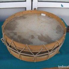 Instrumentos musicales: TAMBOR DE MADERA CON CUERDA. Lote 186464550