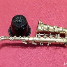 Instrumentos musicales: SAXOFÓN MINIATURA. 13CM !!! NO ES DE COLECCIONABLES. ES DE JUGUETERIA. NUEVO.. Lote 187382522