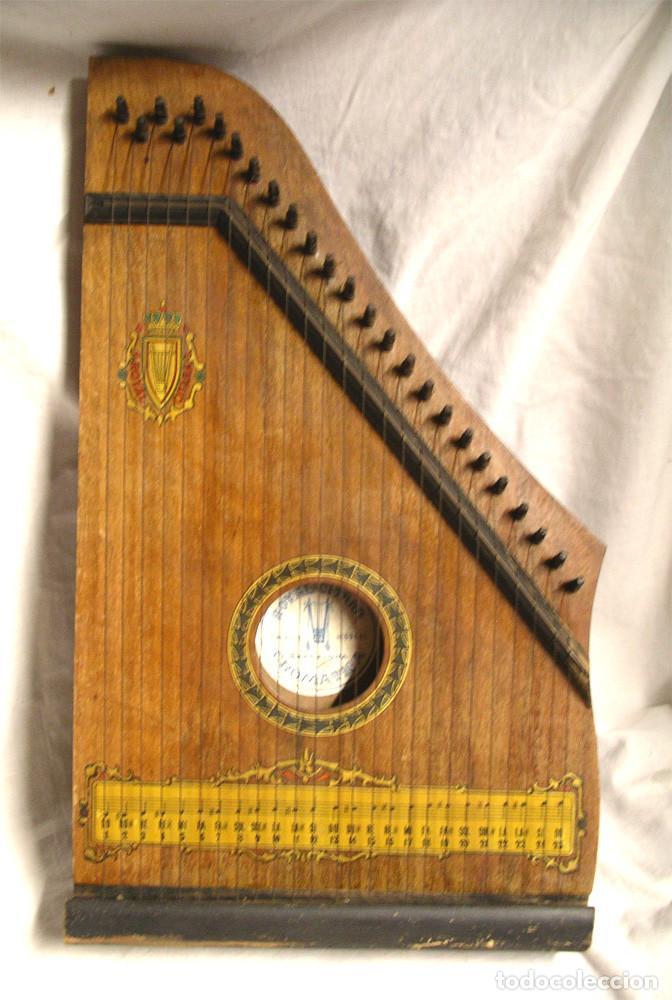CITARRA ROYAL CROMATICA LUTHIER CIS DE BARCELONA. MED. 44 X 26 X 5 CM (Música - Instrumentos Musicales - Cuerda Antiguos)
