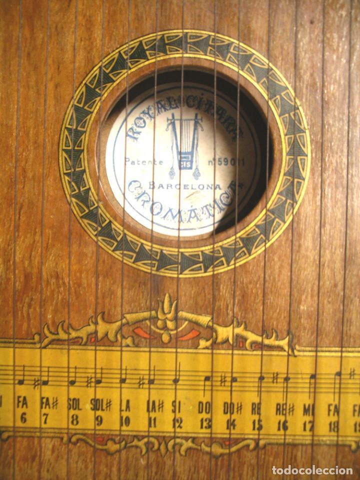 Instrumentos musicales: Citarra Royal Cromatica Luthier CIS de Barcelona. Med. 44 x 26 x 5 cm - Foto 2 - 236965620