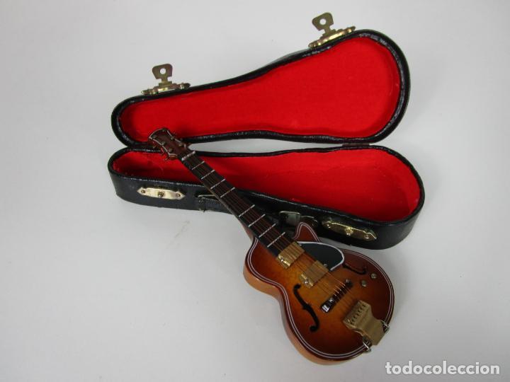 Instrumentos musicales: Guitarra Eléctrica Bajo, Miniatura - Madera - con Estuche - Guitarra Bajo 16 Altura - Foto 2 - 189605803