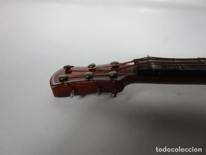 Instrumentos musicales: Guitarra Eléctrica Bajo, Miniatura - Madera - con Estuche - Guitarra Bajo 16 Altura - Foto 6 - 189605803