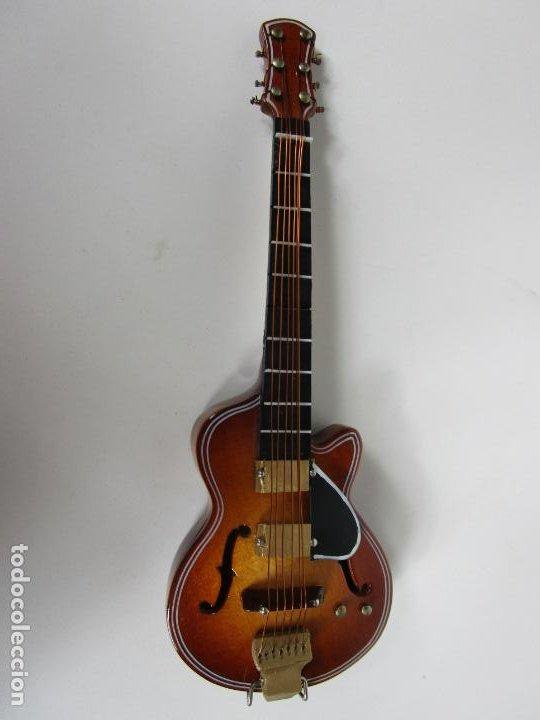 Instrumentos musicales: Guitarra Eléctrica Bajo, Miniatura - Madera - con Estuche - Guitarra Bajo 16 Altura - Foto 7 - 189605803