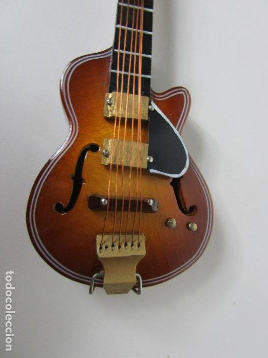 Instrumentos musicales: Guitarra Eléctrica Bajo, Miniatura - Madera - con Estuche - Guitarra Bajo 16 Altura - Foto 8 - 189605803