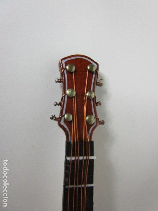 Instrumentos musicales: Guitarra Eléctrica Bajo, Miniatura - Madera - con Estuche - Guitarra Bajo 16 Altura - Foto 9 - 189605803
