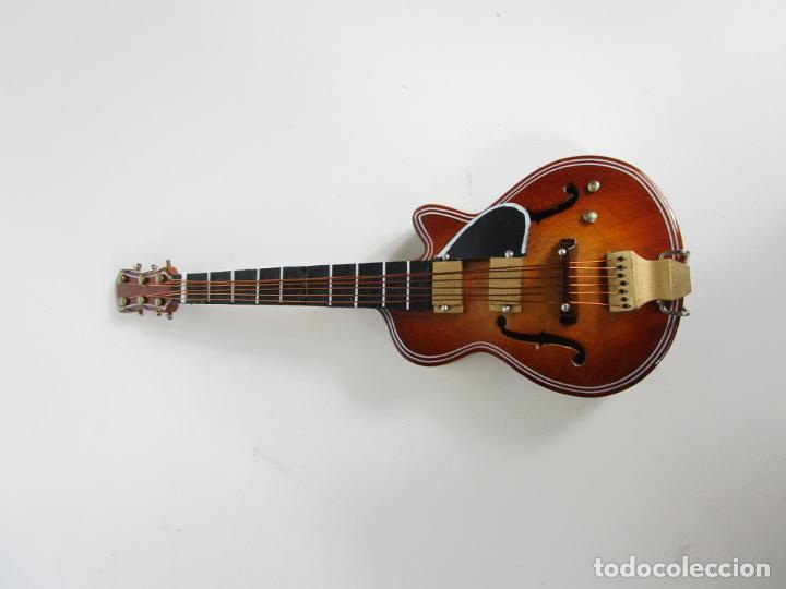 Instrumentos musicales: Guitarra Eléctrica Bajo, Miniatura - Madera - con Estuche - Guitarra Bajo 16 Altura - Foto 11 - 189605803