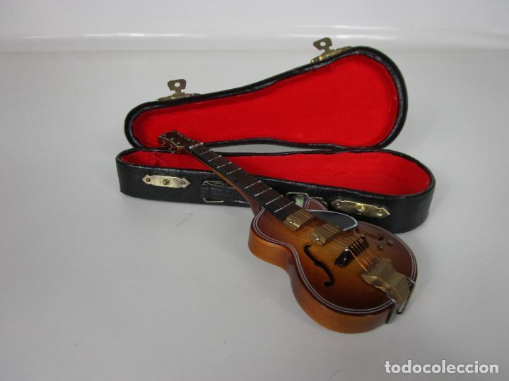 Instrumentos musicales: Guitarra Eléctrica Bajo, Miniatura - Madera - con Estuche - Guitarra Bajo 16 Altura - Foto 12 - 189605803