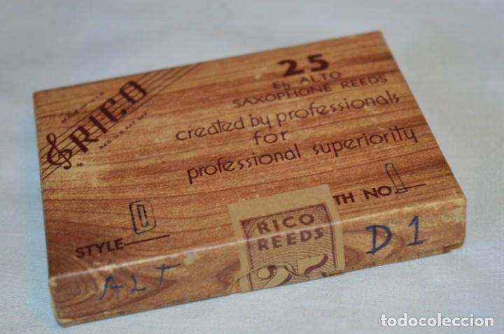 Instrumentos musicales: Vintage, Caja de 22 CAÑAS SAXOFÓN - Eb ALTO / Style D1 / - SAXOPHONE REEDS - RICO Made in USA ¡Mira! - Foto 2 - 189674030