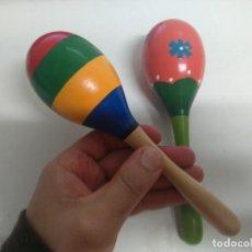 Instrumentos musicales: MARACAS DE MADERA PINTADAS A MANO, MUY BONITAS Y BUEN SONIDO! ENTRE Y MIRELAS!. Lote 189898426