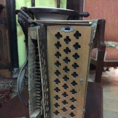Instrumentos musicales: ACORDEÓN PARA RESTAURAR. Lote 190510186