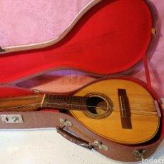 Instrumentos musicales: BANDURRIA CON SU MALETA. Lote 191061661