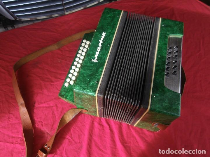 Instrumentos musicales: ANTIGUO ACORDEON FUNCIONANDO BIEN , MUY BONITO ..VER - Foto 2 - 192236988