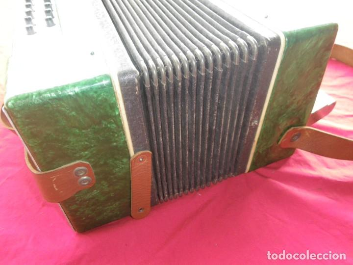 Instrumentos musicales: ANTIGUO ACORDEON FUNCIONANDO BIEN , MUY BONITO ..VER - Foto 8 - 192236988