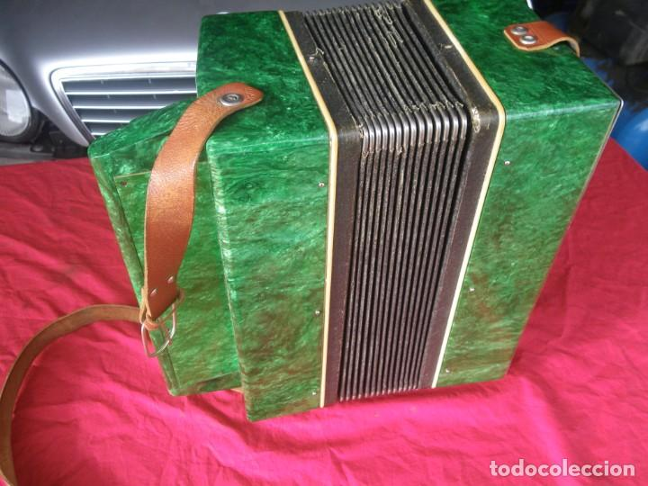 Instrumentos musicales: ANTIGUO ACORDEON FUNCIONANDO BIEN , MUY BONITO ..VER - Foto 10 - 192236988