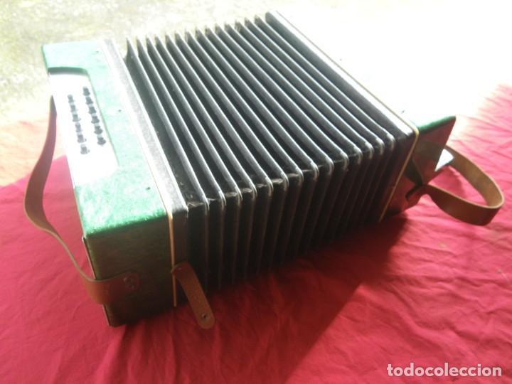 Instrumentos musicales: ANTIGUO ACORDEON FUNCIONANDO BIEN , MUY BONITO ..VER - Foto 13 - 192236988