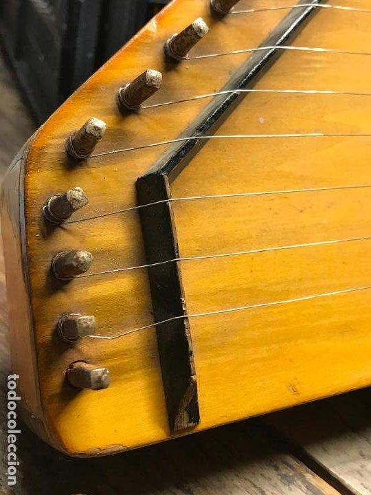 Instrumentos musicales: Citara - Instrumento musical de cuerda - Foto 2 - 192553431