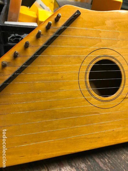 Instrumentos musicales: Citara - Instrumento musical de cuerda - Foto 3 - 192553431