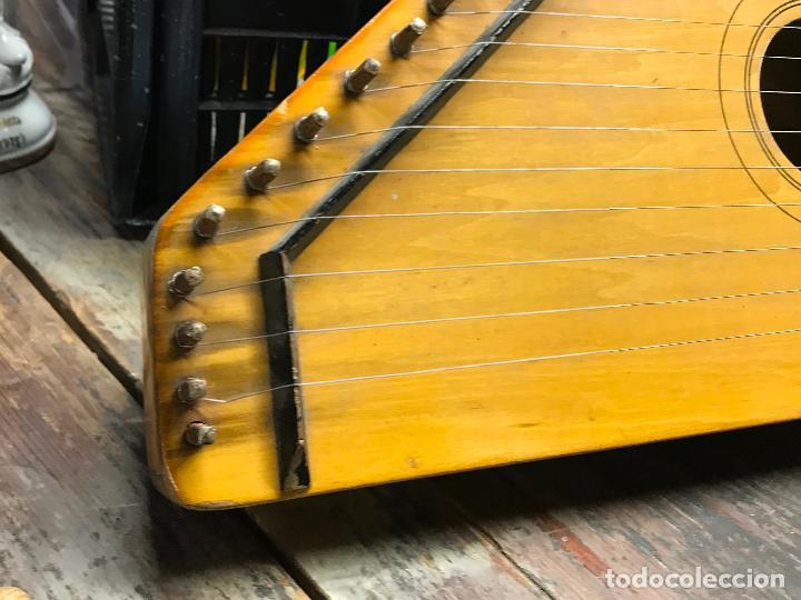 Instrumentos musicales: Citara - Instrumento musical de cuerda - Foto 4 - 192553431